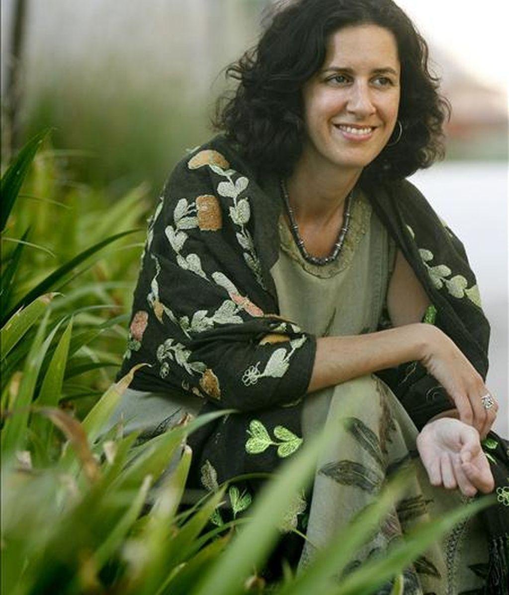 """La escritora iraqui Nadje Sadig Al-Ali, afirmó que el uso del burka es """"un fenómeno postinvasión"""", durante la entrevista-presentación con Efe de su libro """"Mujeres iraquíes"""" en el que relata las vivencias de más de 200 mujeres, así cómo la caída del régimen de Hussein. EFE"""