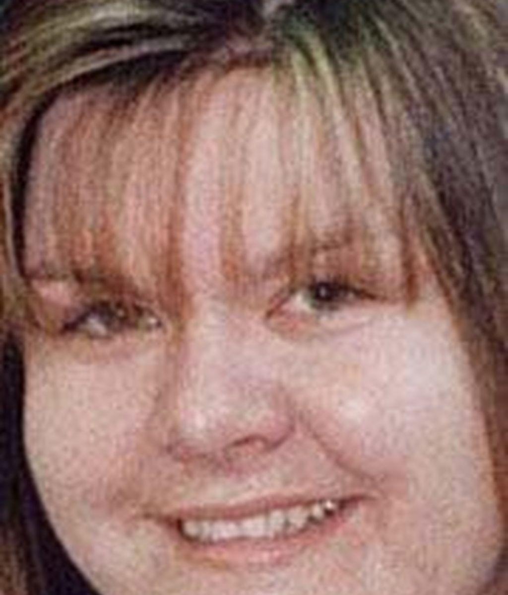 Vanessa George, acusada de abusos sexuales a sus alumnos de una guardería, ha sido increpada a su llegada a los juzgados. Video: Informativos Telecinco