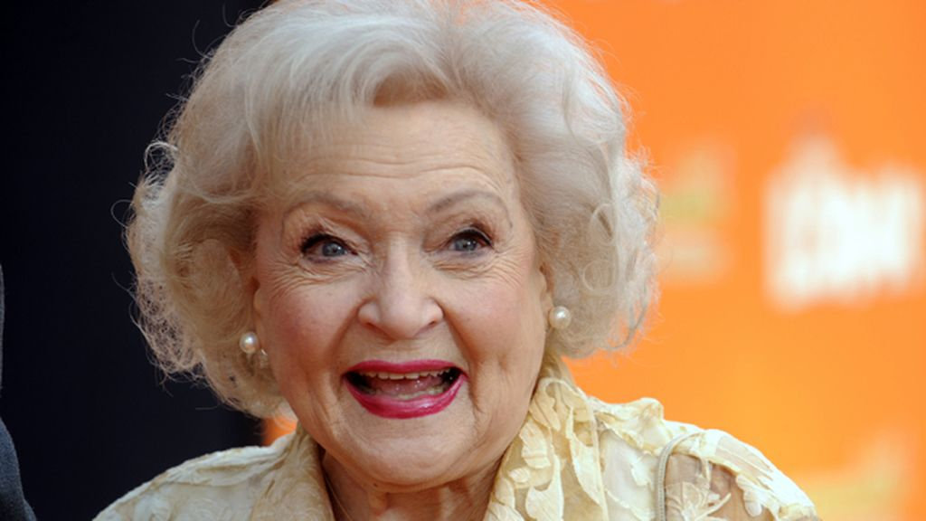 """Salvemos a Betty White de 2016"", la inocente petición que ha movilizado a las redes"