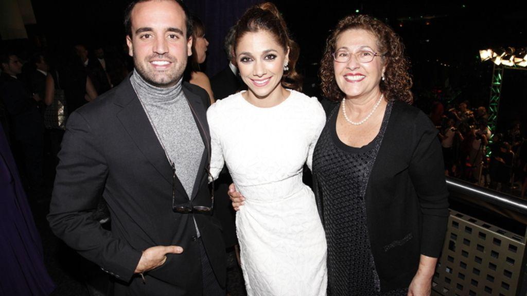 Antonio Abeledo, Mariam Hernández y la madre de ésta
