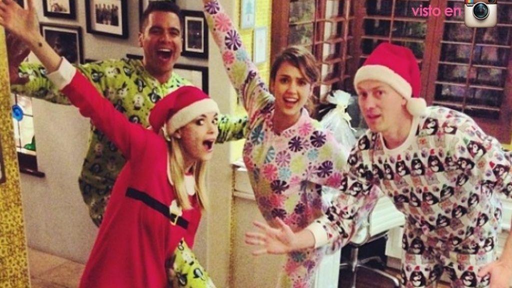 Jessica Alba ha organizado una gran pijamada en familia