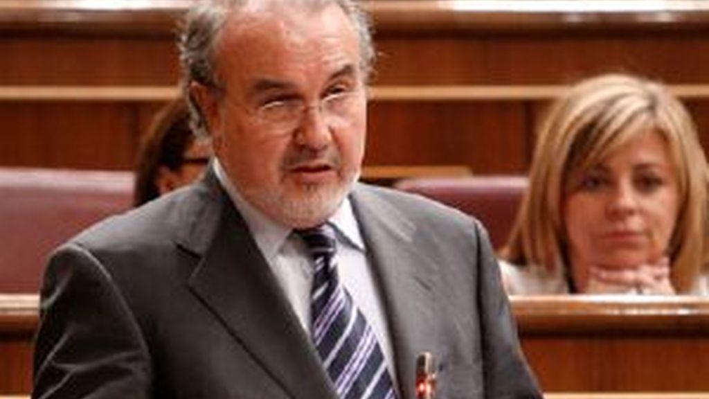 Pedro Solbes durante su intervención en el Congreso. Foto: EFE