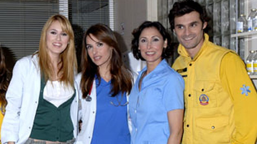 La nueva doctora, Manuela Montoro, cae bien a todos