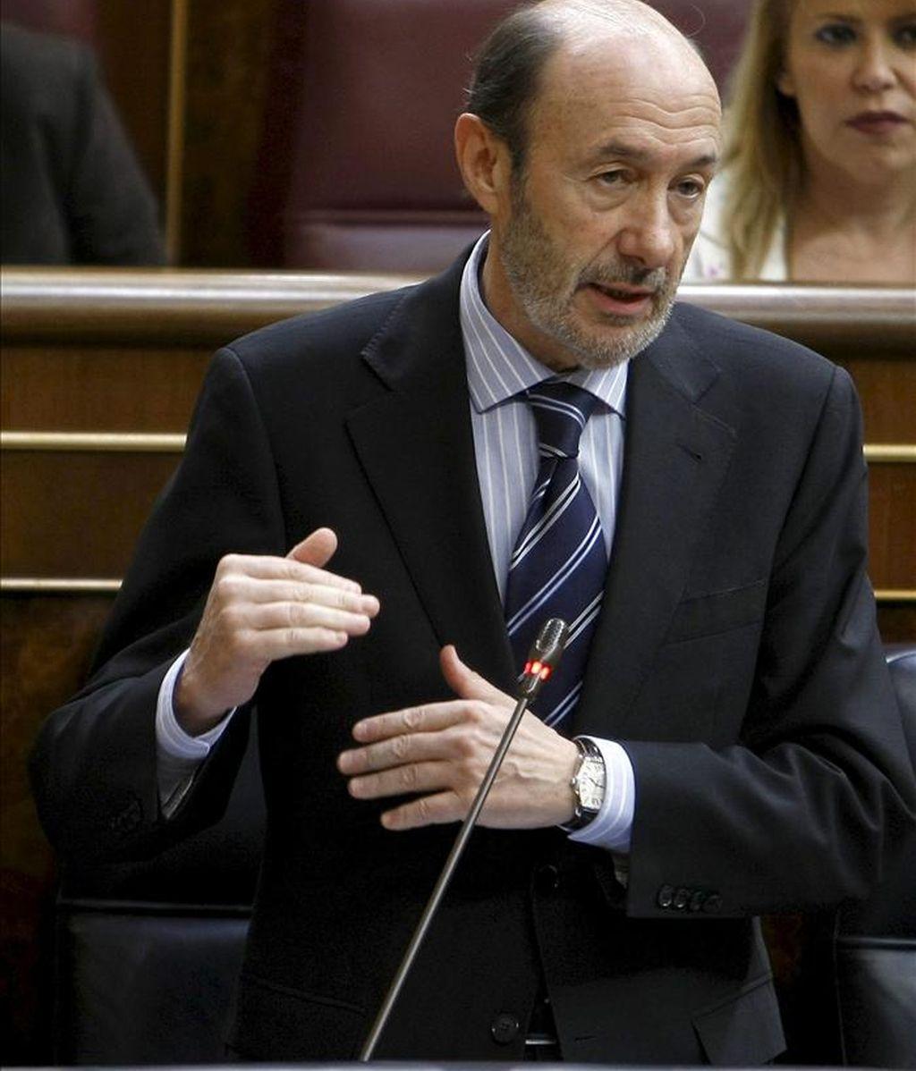 El vicepresidente primero del Ejecutivo, Alfredo Pérez Rubalcaba, durante una de sus intervenciones en la sesión de control al Gobierno del Pleno del Congreso. EFE