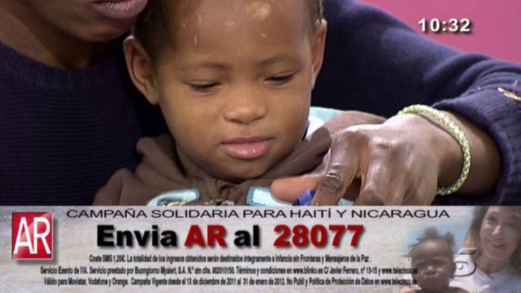 Envía AR al 28077 y colabora con Haití