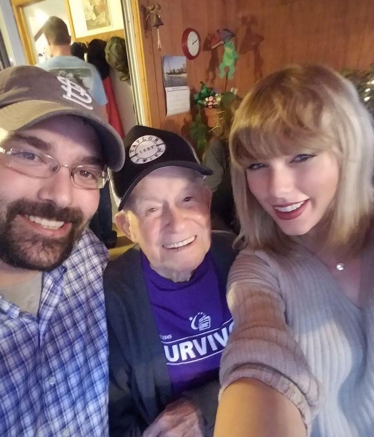 Taylor Swift sorprende a su mayor fan, un veterano de guerra de 96 años