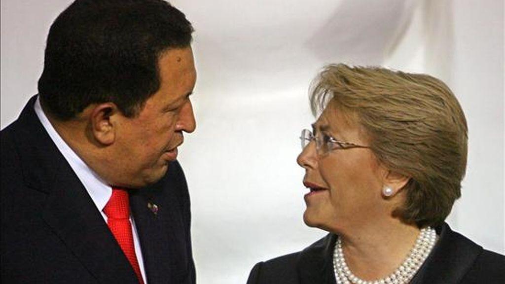 """""""Mi afecto al pueblo chileno y a la presidenta Bachelet, a la que tengo mucho respeto y deseo que tenga éxito la próxima cumbre de Unasur, que va a ser en Chile"""", dijo Chávez. EFE/Archivo"""