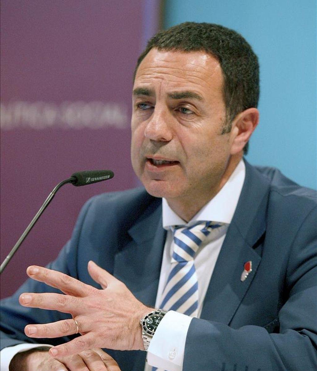 El delegado del Gobierno para la Violencia de Género, Miguel Lorente, durante la presentación de un estudio sobre la concentración de casos mortales de violencia de género entre los años 2003 y 2010, en un acto que ha tenido lugar esta tarde en Madrid. EFE
