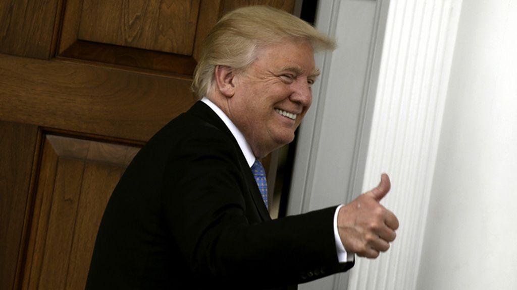 La popularidad de Trump sube, pese a la 'caña' de los medios