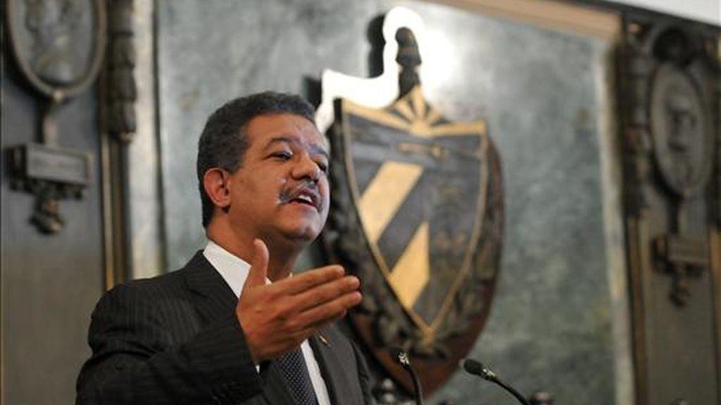 El presidente dominicano, Leonel Fernández, no quiso pronunciarse sobre la decisión de Venezuela de romper relaciones con Colombia a raíz de las denuncias del Gobierno colombiano sobre la presencia de jefes guerrilleros en territorio venezolano. EFE