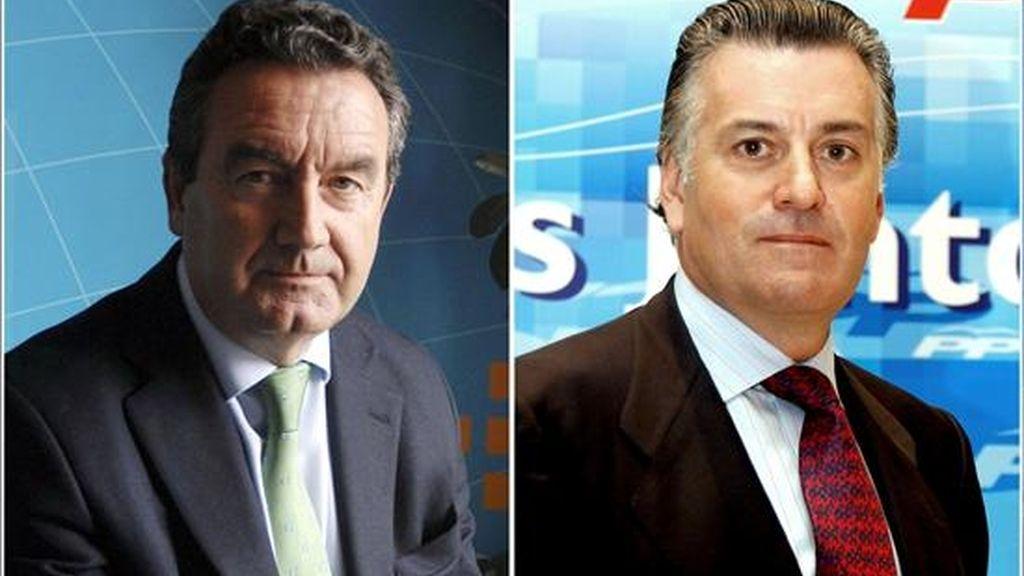 Los parlamentarios del PP Luis Bárcenas (d) y Jesús Merino. EFE/Archivo