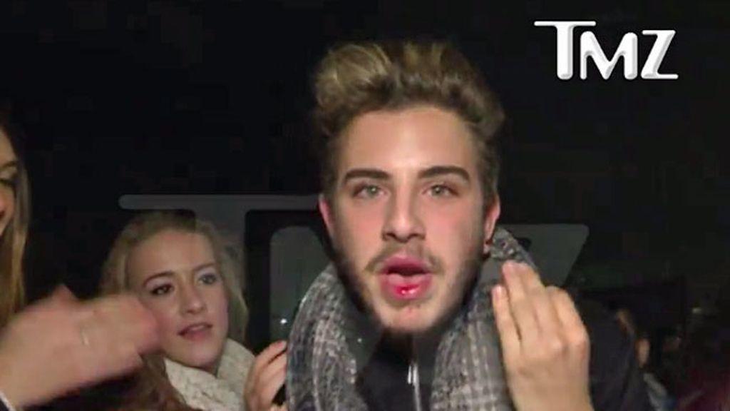 El cantante llegaba a su concierto en el Palau Sant Jordi en coche