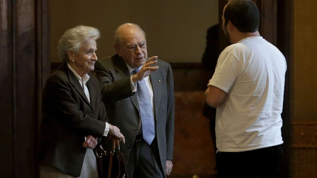 Marta Ferrusola se niega a declarar ante la comisión de investigación del Parlament