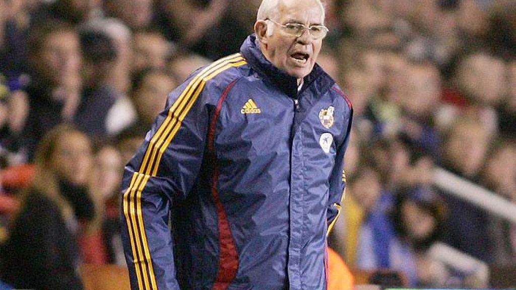 Aragonés reparte la culpa del gol. Foto: AP