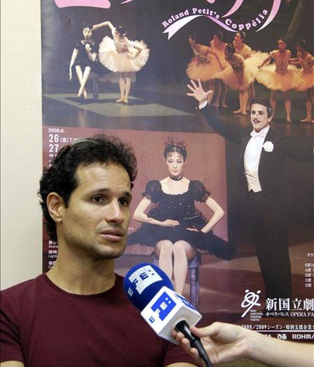 El bailarín cubano José Manuel Carreño anunció hoy su retirada del American Ballet Theatre (ABT), compañía con la que ha bailado ya quince temporadas y con la que seguirá otras dos más, en una entrevista con Efe en Tokio, al término de uno de los ensayos de la obra Coppélia que estrenará en Japón el próximo 26 de junio junto a la española Tamara Rojo. EFE