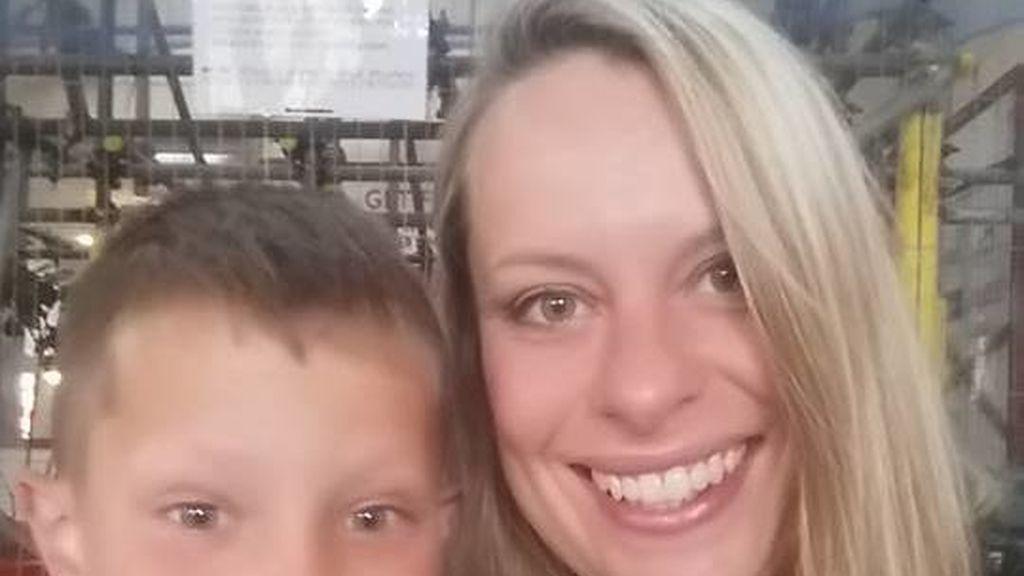 Una madre presuntamente se suicida tras perder a su hijo de 8 años en un incendio
