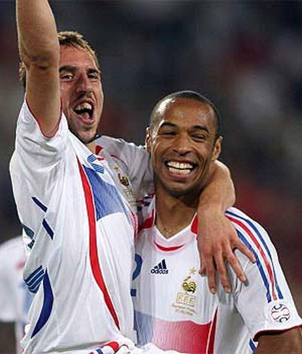 Herny y Ribery, estrellas de Francia.