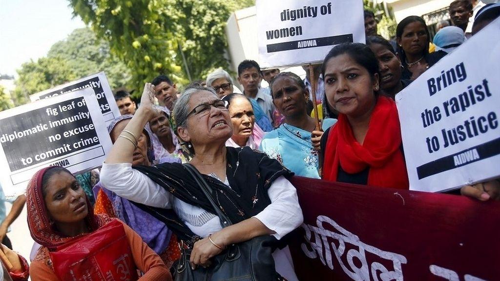 Detenidos dos jóvenes por la violación de una niña de dos años y medio en India