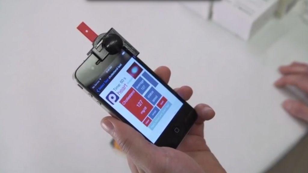 Crean un nuevo dispositivo de smartphone que controla el colesterol
