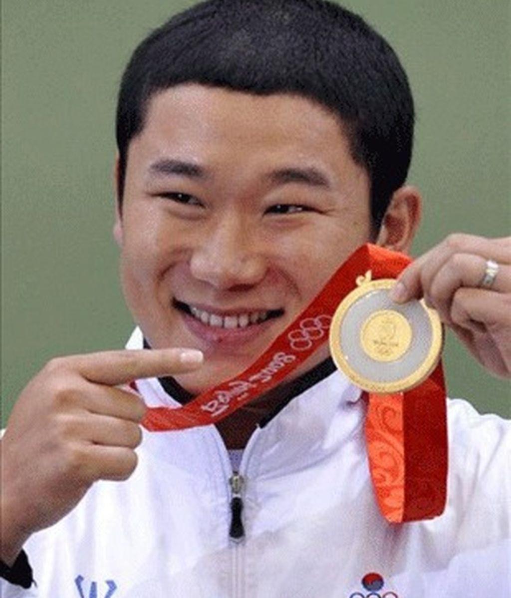 Jong Oh Jin, oro en pistola libre 50 metros