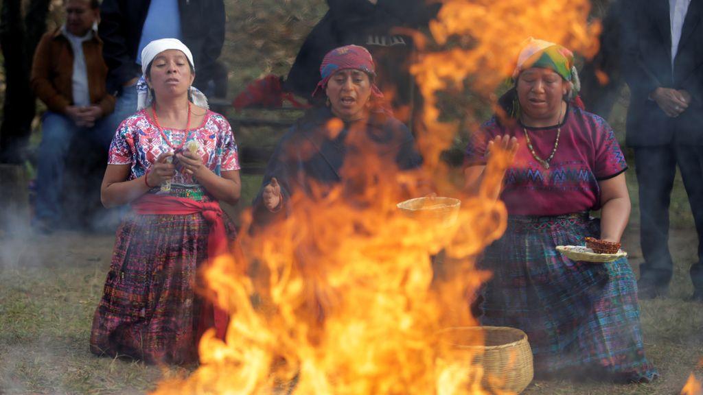 Ritual en Guatemala para homenajear el 20º aniversario del fin de la guerra civil