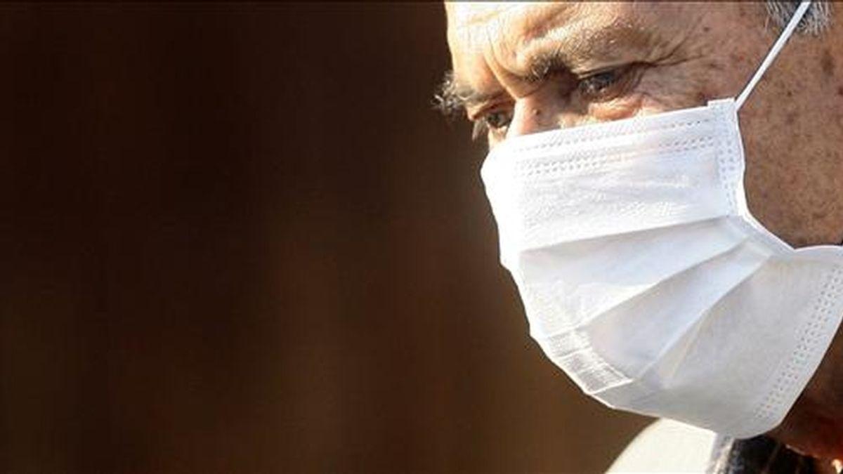 Bachelet afirmó que el sistema de salud está preparado para hacer frente al aumento de enfermedades respiratorias y al brote de la gripe A que afecta al país. EFE/Archivo