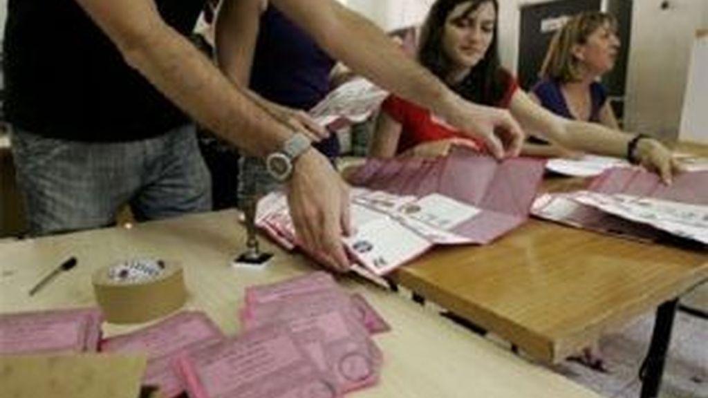 Imagen de un colegio electoral de Roma. Foto: AP