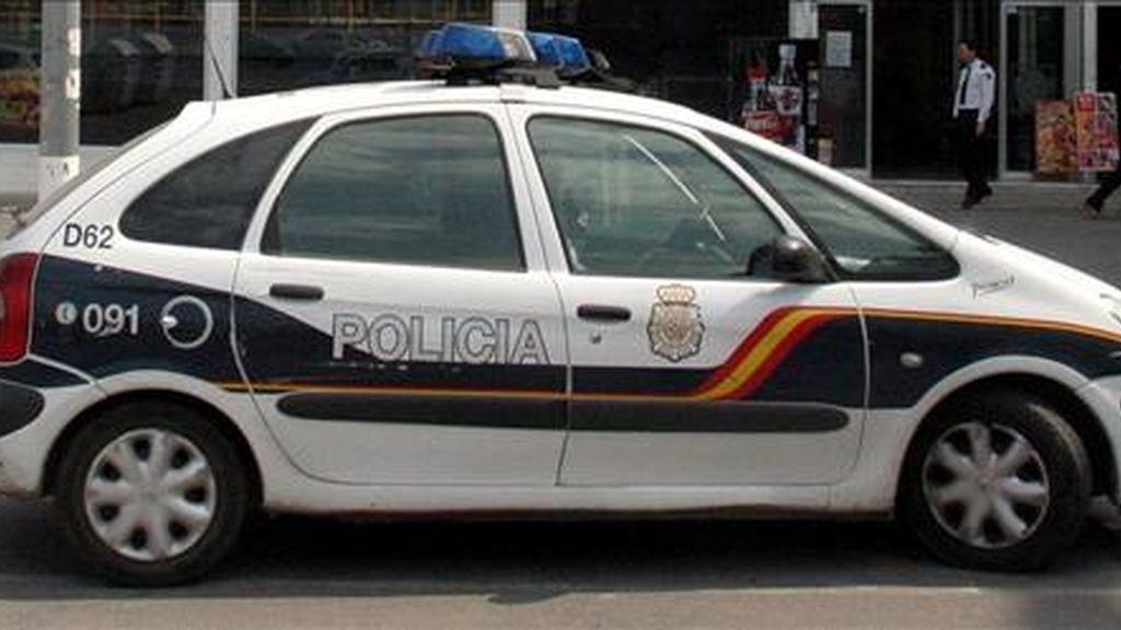 Una patrulla de la Policía Nacional en un suceso. EFE/Archivo