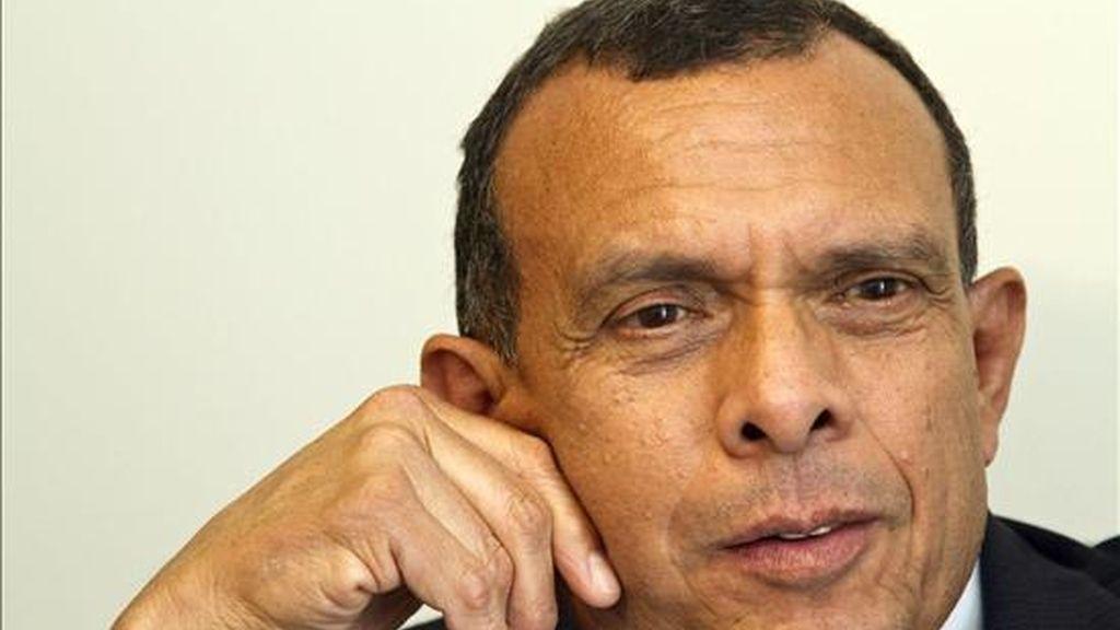 El presidente de Honduras, Porfirio Lobo, habla en una entrevista este 22 de septiembre mientras participa en la Cumbre de Objetivos del Desarrollo de Milenio en Nueva York (EE.UU.). EFE