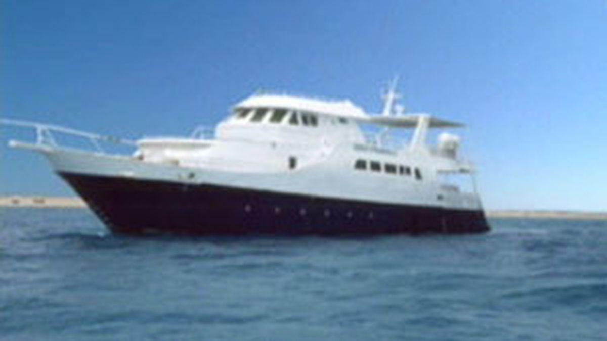 Este es el barco en el que viajaban los turistas españoles. Foto: Informativos Telecinco