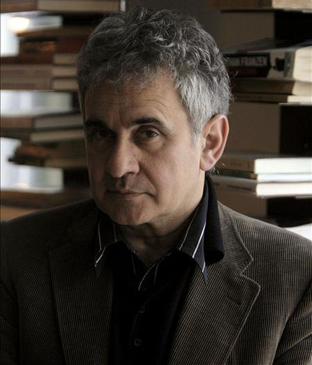 El escritor vasco Bernardo Atxaga abre esta tarde con el pregón inaugural los actos del Día del Libro. EFE/Archivo