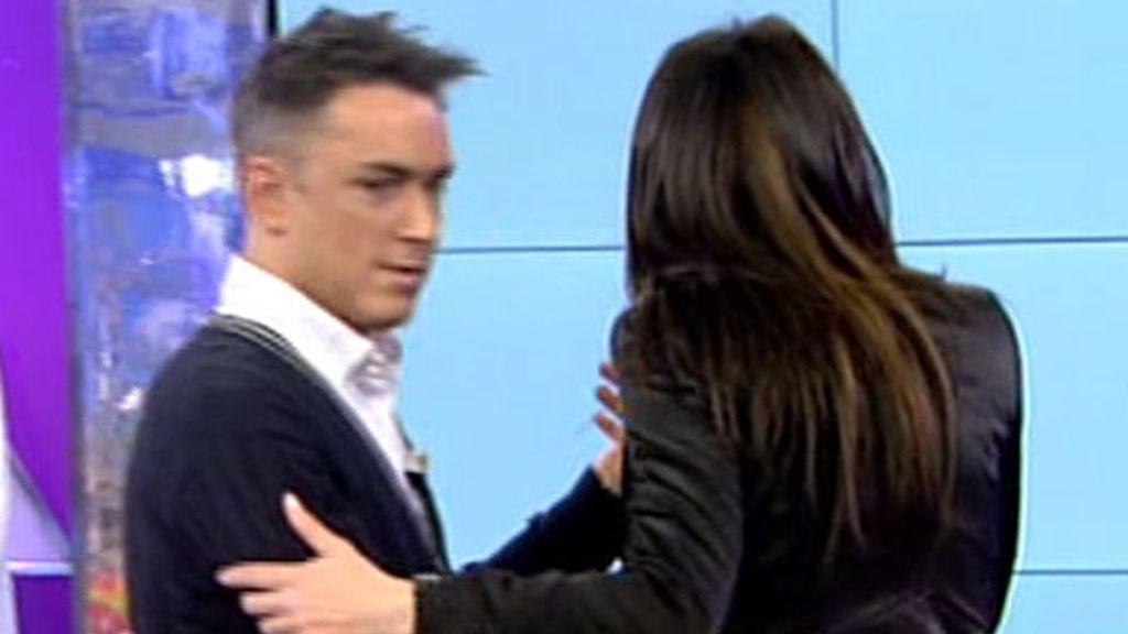 Yola Berrocal y Kiko Hernández bailan juntos un vals