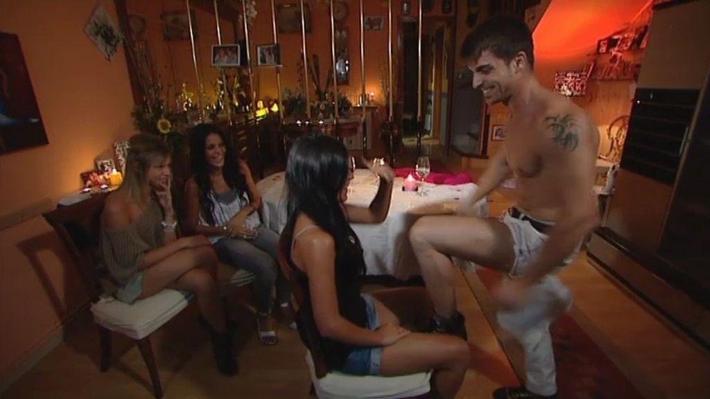 Y de postre... ¡¡un striptease!!