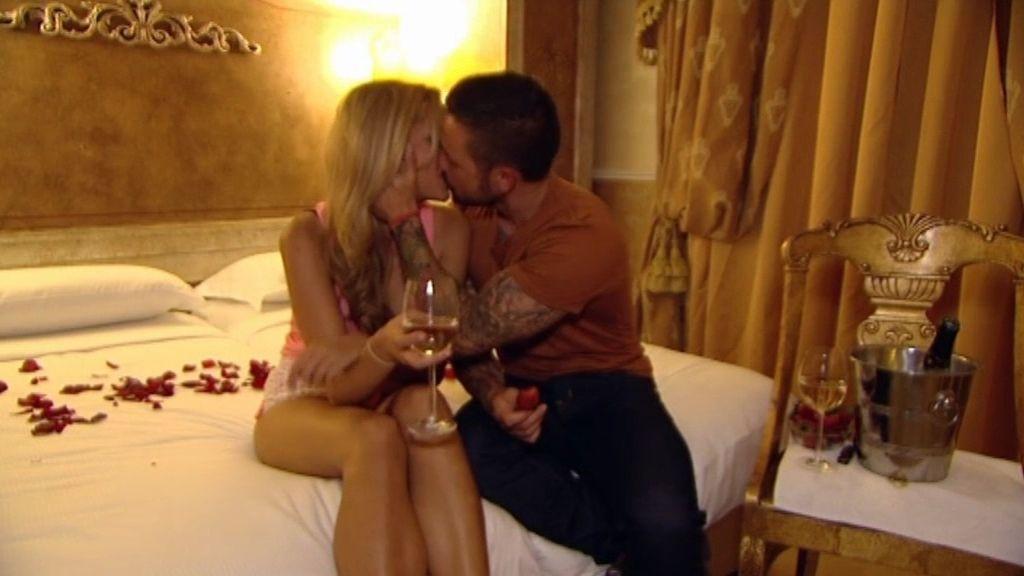 La romántica noche de Pascual y Corina en Roma