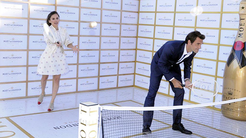 A pesar de llevar treinta años sin jugar al tenis, Elena Anaya demostró estar en plenas facultades