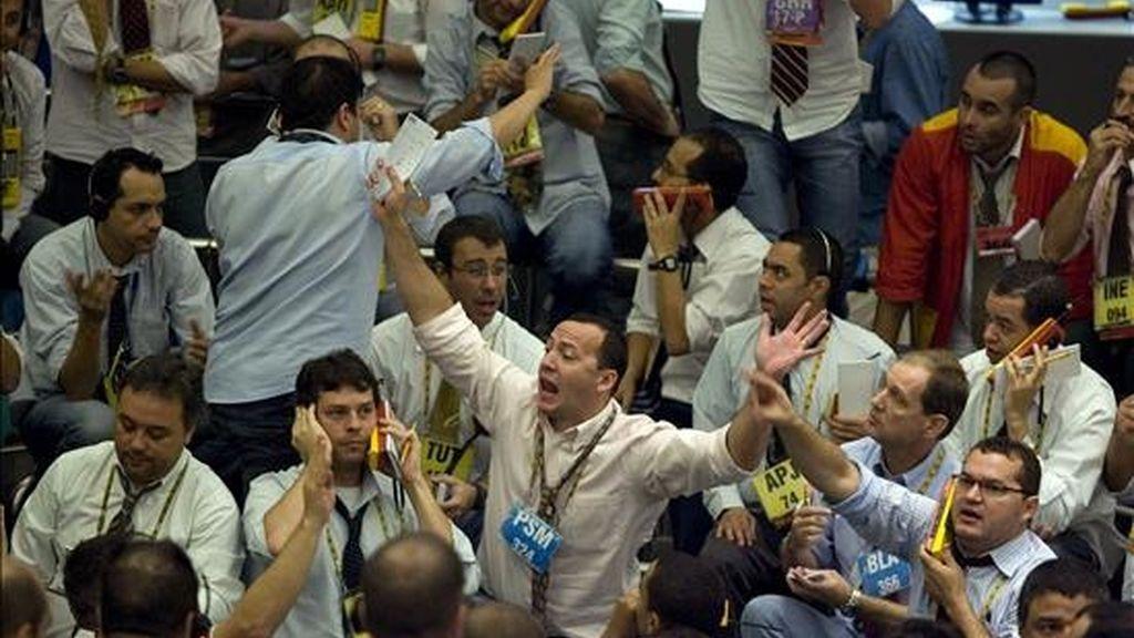 El Ibovespa sumó este jueves 1.377 unidades a su acumulado, después de un retroceso del 3,54% en la sesión del miércoles. EFE/Archivo