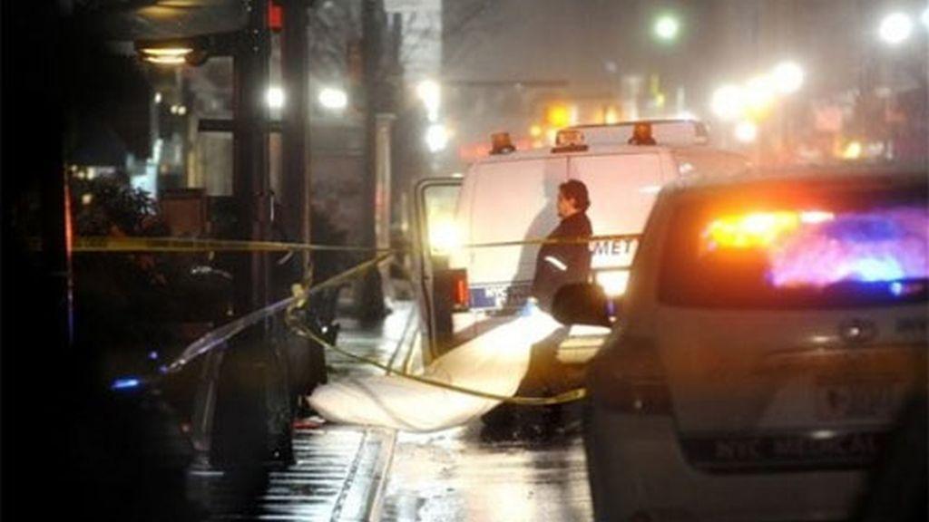 El cuerpo del joven quedó echo pedazos. Foto: AP.