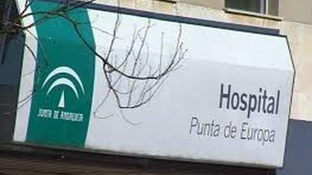 Abandonan a una persona fallecida en la puerta del hospital de Algeciras