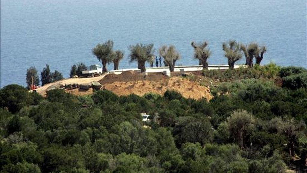 """La colina donde se encuentra """"villa Certosa"""" propiedad del primer ministro italiano en funciones, Silvio Berlusconi, en Porto Rotondo, Cerdeña. EFE/Archivo"""