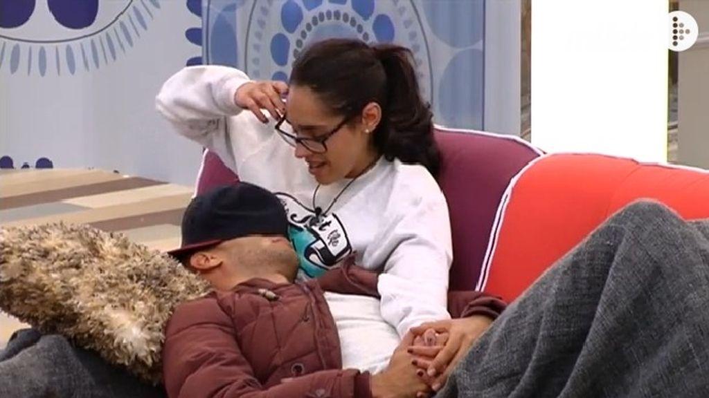 La reconciliación de Omar y Lucía, en imágenes