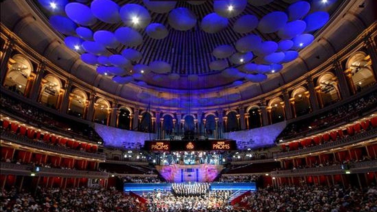 En la imagen, vista del interior del Royal Albert Hall, durante una temporada de conciertos BBC Proms. EFE/Archivo