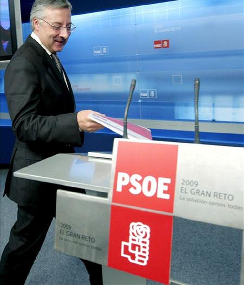 El vicesecretario general del PSOE, José Blanco, antes de la rueda de prensa que ofreció el pasado 26 de enero, tras la reunión de la Comisión Ejecutiva Federal. EFE