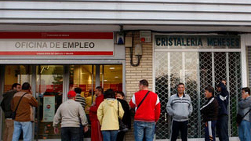 Andalucía, Cataluña y Valencia acumulan más de la mitad de los parados mayores de 45.