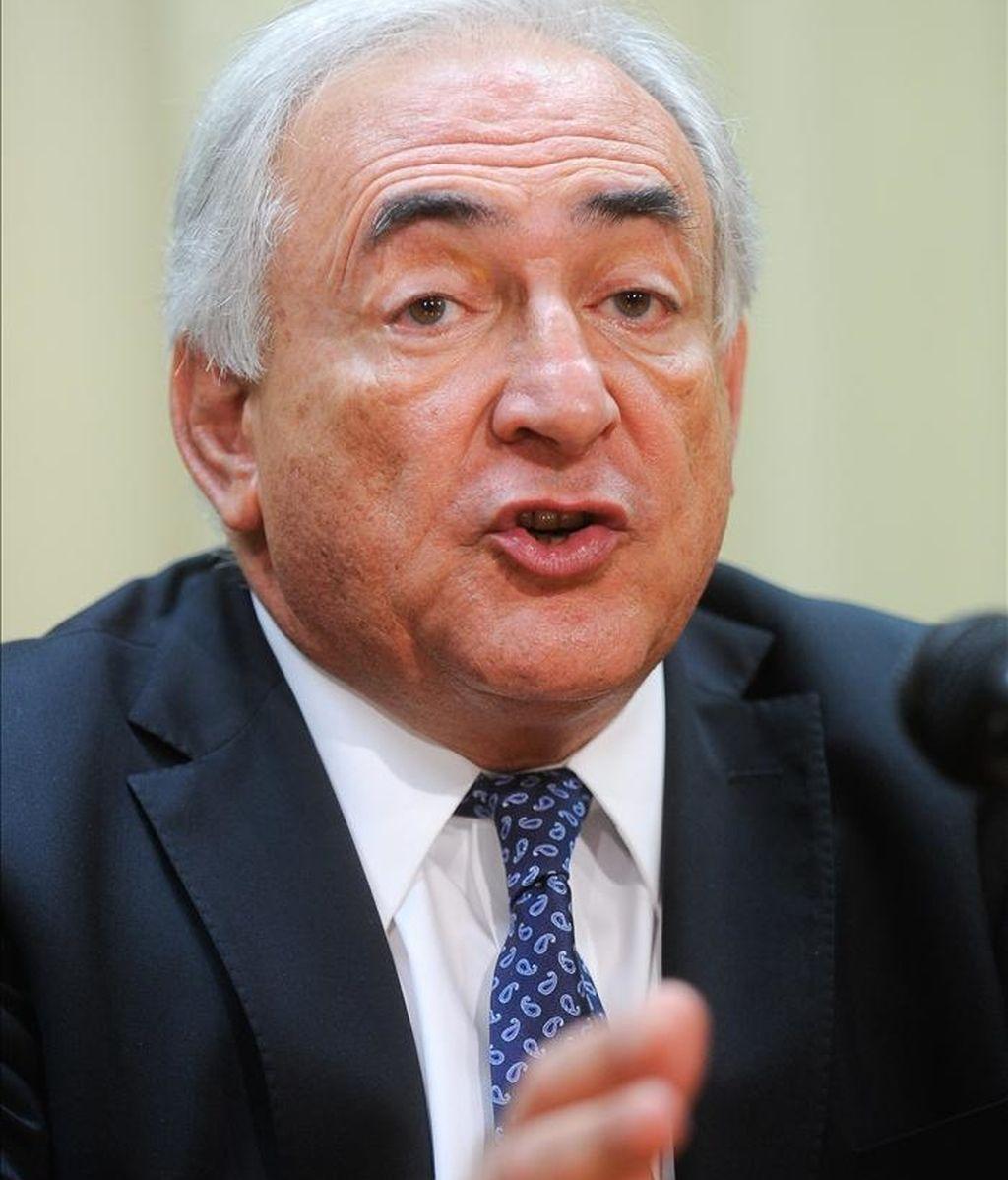 """""""El crecimiento en las economías avanzadas, epicentro de la crisis financiera, es todavía demasiado bajo y el desempleo muy alto"""", advirtió el titular del FMI, Dominique Strauss-Kahn. EFE/Archivo"""