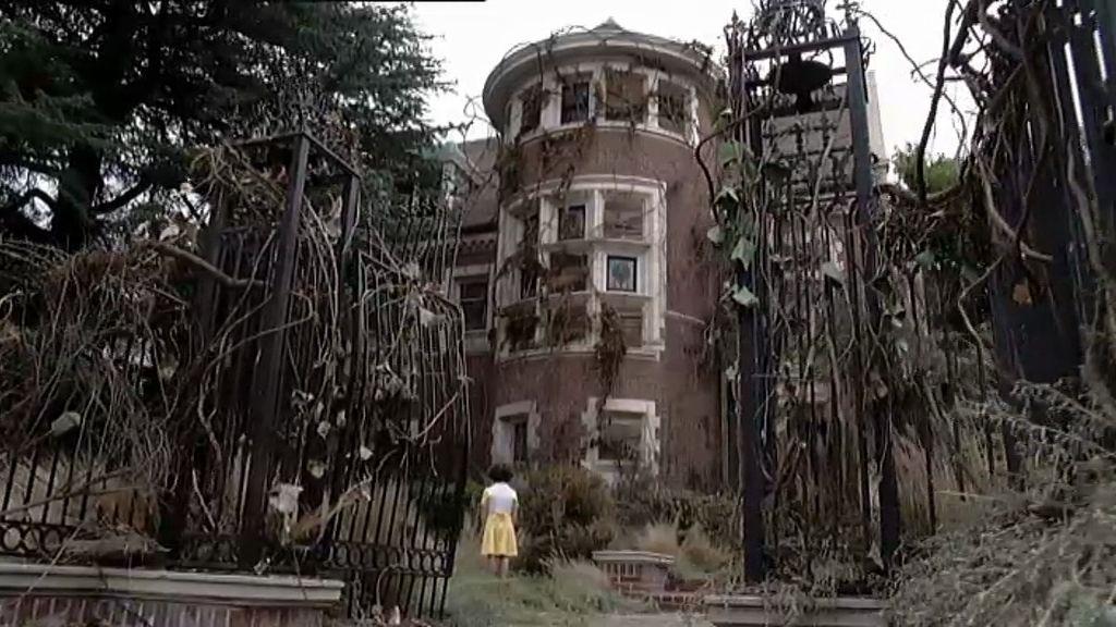 La mansión de los Harmon, antes y ahora
