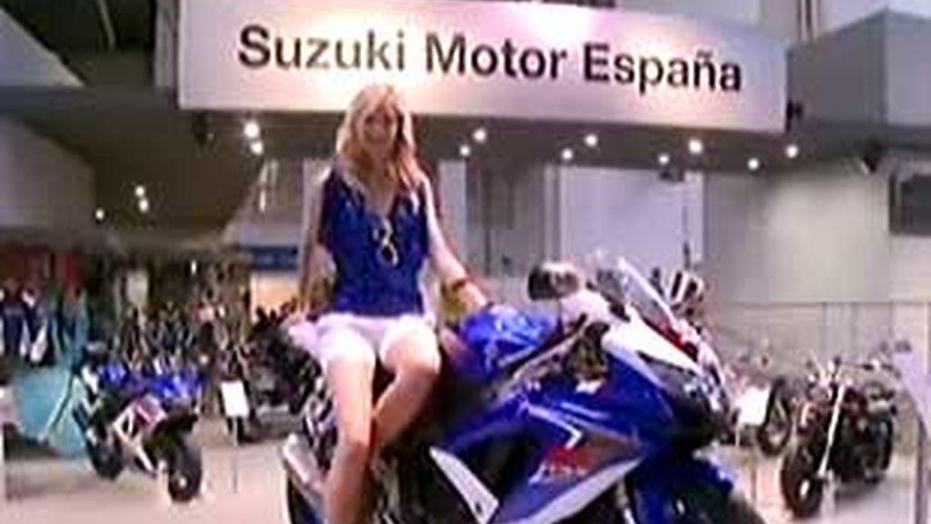 También formaban parte del stand de Suzuki las nuevas GSX-R600 y 750