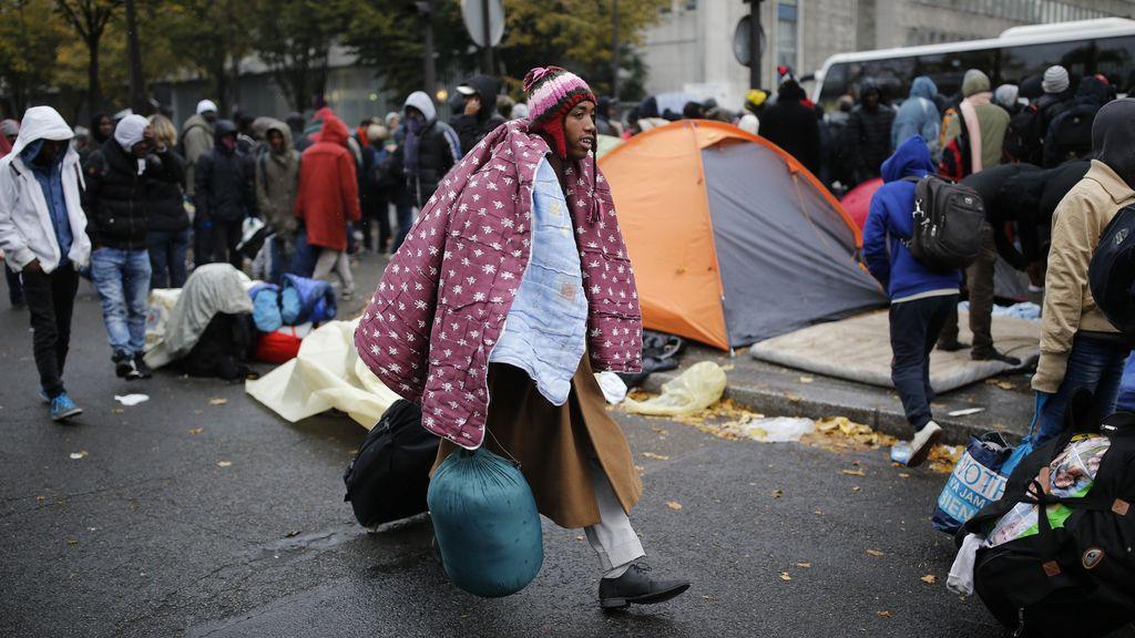 Francia redistribuye a los inmigrantes de Calais