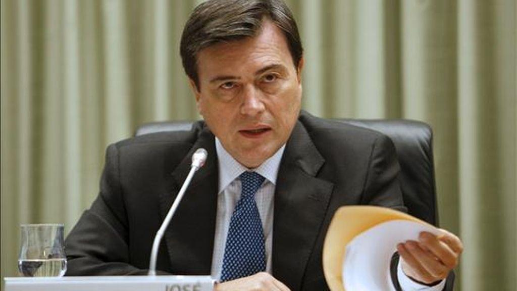 """El """"Informe de Estabilidad Financiera Mundial"""" será presentado este martes por el español José Viñals, nuevo director del departamento de asuntos monetarios y mercados de capitales del FMI. EFE/Archivo"""