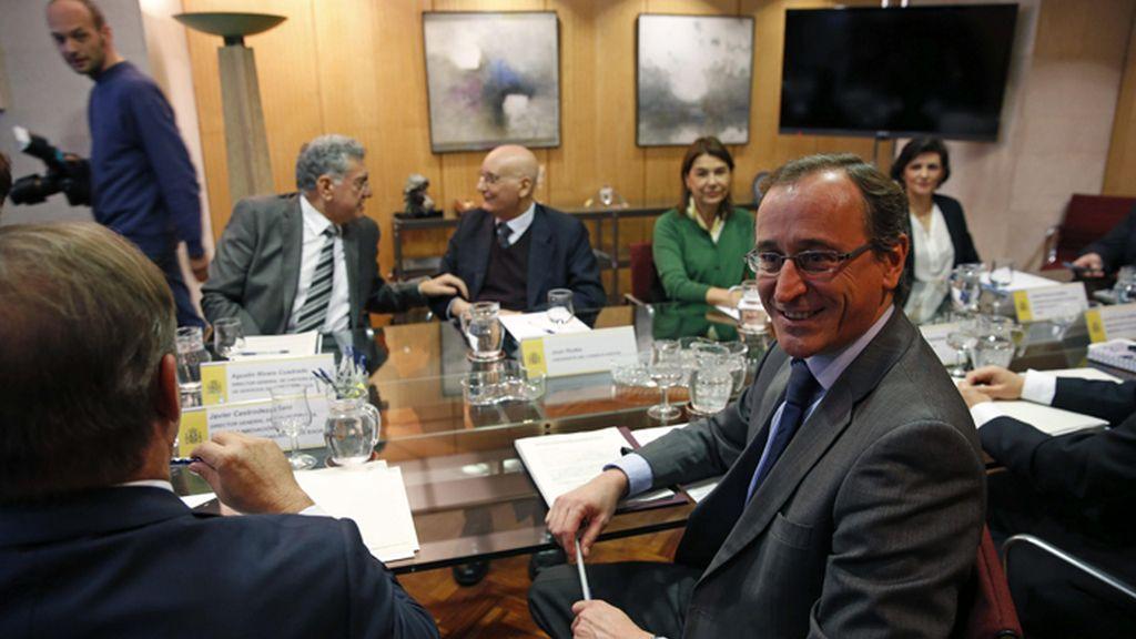 Alfonso Alonso preside la reunión del Plan estratégico Nacional para el Abordaje de la Hepatitis C