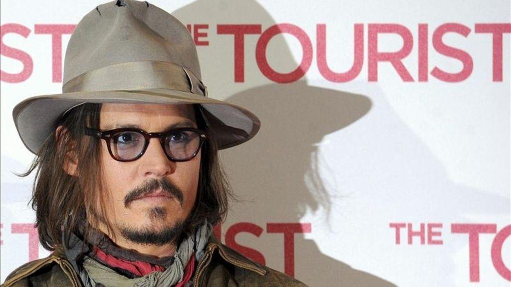 Fotografía del pasado 14 de diciembre en la que se registró al estadounidense Johnny Depp, quien fue el actor favorito en Estados Unidos en 2010, según una encuesta realizada por Harris Interactive. EFE/Archivo